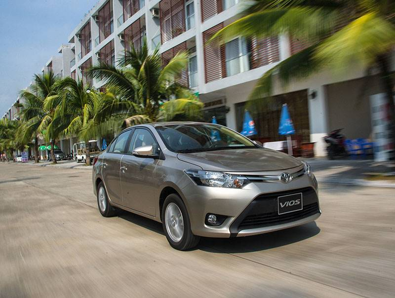 Bán hơn 4.000 xe, Toyota Việt Nam vẫn giảm 20% doanh số