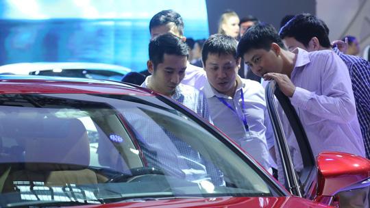 Giảm giá, con dao hai lưỡi ở thị trường ôtô Việt