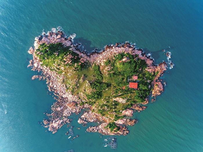 Ngọn hải đăng trên đảo trái tim