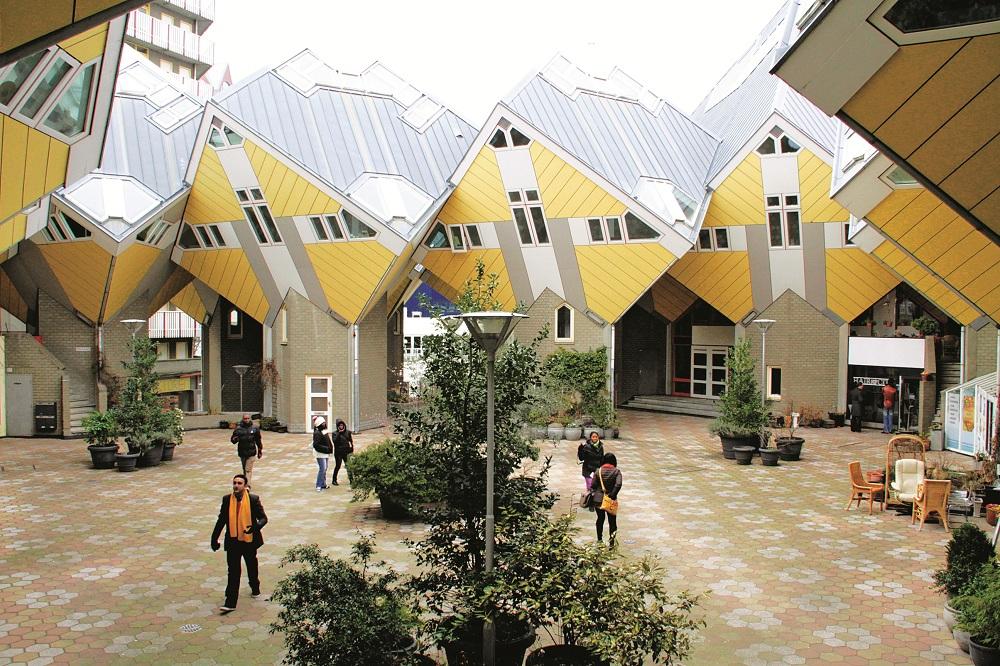 Nhà cây hình khối của Piet Blom
