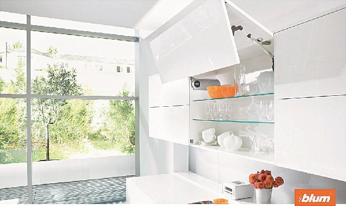 Tay nâng tủ bếp treo tường Blum