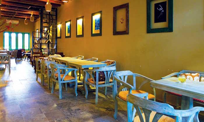Thị café  - style cũ xưa giữa lòng khu phố Tây năng động